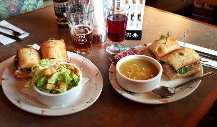 Sanduíche de Salmão, como acompanhamento, salada ou sopa